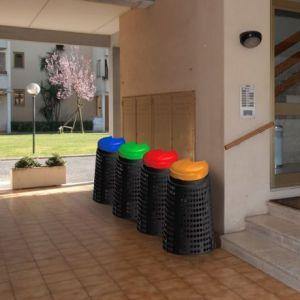 Stojan na odpadkové pytle s pedálem 110 litrů- červený Art Plast
